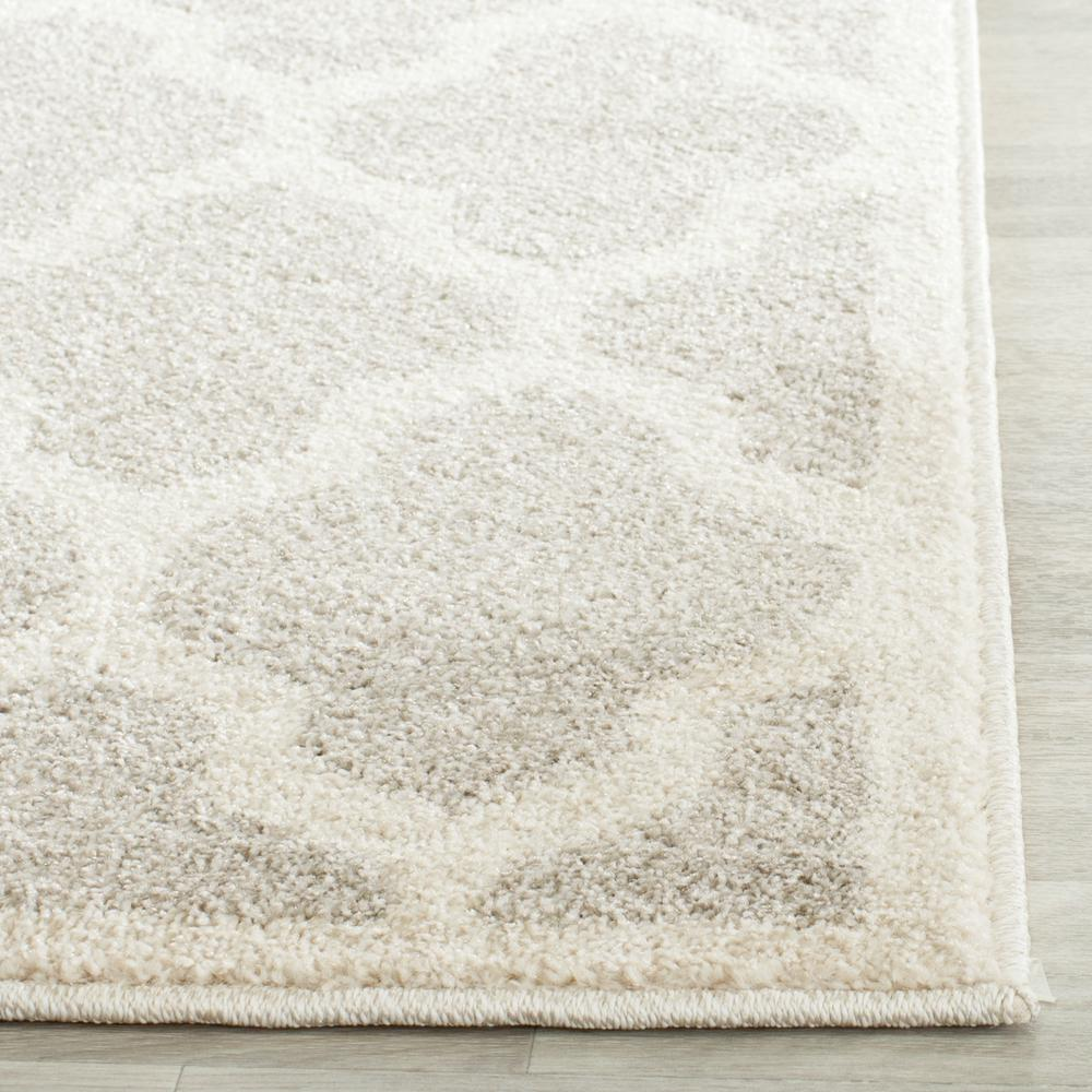 Safavieh amherst amt420b light grey and beige area rug for Grey and tan rug