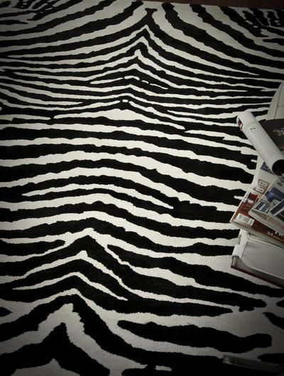 Safavieh Soho SOH434A White and Black